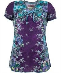 Rambling Rose Koi Scrub Top is a fun print scrub top with a contemporary print and two side pockets. Shop fun and fashionable floral scrubs by Koi Scrubs at UA! Scrub Skirts, Medical Scrubs, Nurse Scrubs, Scrubs Pattern, Koi Scrubs, Uniform Advantage, Scrub Tops, Costume, Summer Outfits