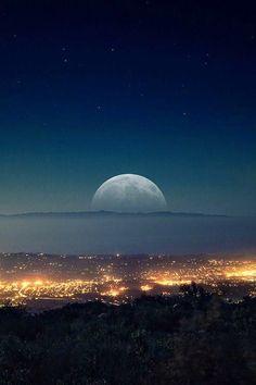 California love, santa barbara california, stars and moon, beautiful moon, beautiful scenery Beautiful Moon, Beautiful World, Beautiful Places, Beautiful Scenery, Sun Moon, Stars And Moon, Moon Rise, Moonlight Photography, Santa Barbara California