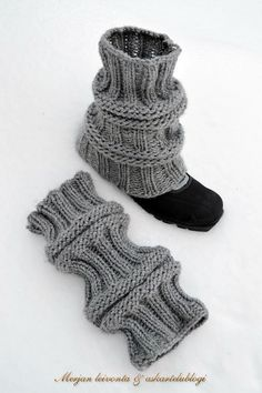 Crochet Socks, Knitting Socks, Free Knitting, Knit Crochet, Baby Knitting Patterns, Crochet Patterns, Boot Toppers, Boot Cuffs, Yarn Crafts