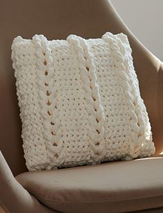 Yarnspirations.com - Bernat Chain Links Pillow - Patterns  | Yarnspirations