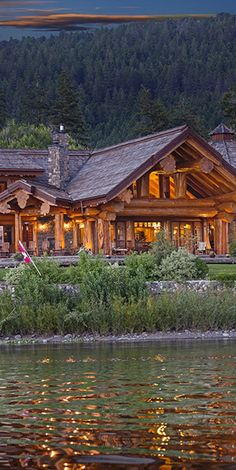 Pioneer log cabin home on the lake Log Cabin Living, Log Cabin Homes, Log Cabins, Timber House, Cabins And Cottages, Cozy Cabin, Deco Design, Cabins In The Woods, Home Design Decor