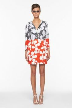 My new favorite outfit. These are separates! Amazing detail from skirt to sleeve! Love @DVF !