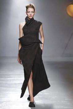 Aganovich Ready To Wear Spring Summer 2016 Paris - NOWFASHION