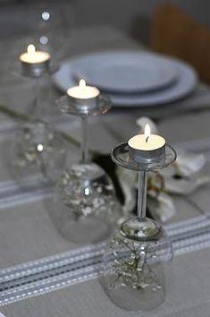 Smartaste dukningstipset! På julen kan man lägga julgranskulor under glaset och på sommaren syrenkvistar... Tipset kommer från Trendenser.se.