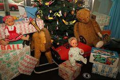 Československé vánoce Gingerbread Cookies, Desserts, Food, Gingerbread Cupcakes, Tailgate Desserts, Deserts, Eten, Postres, Dessert