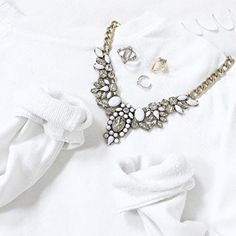 Snow White Statement Necklace - #fashion #jewelry #ootd #fashionstyle #fashionista - 24,90 € @happinessboutique.com