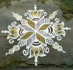 Rangoli Borders, Rangoli Border Designs, Colorful Rangoli Designs, Rangoli Designs Images, Rangoli Designs Diwali, Beautiful Rangoli Designs, Lotus Rangoli, Small Rangoli, Kolam Rangoli