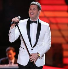 Michael Bublé, Tom Odell and Bo Bruce for Voice's finals. 05/06/2013