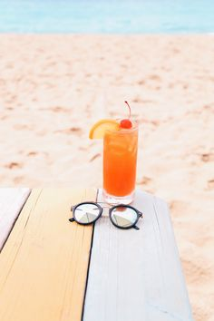 Cocktail on the beach or just around the city? Wear the double bridged Dsquared2 sunglasses http://www.smartbuyglasses.co.uk/designer-sunglasses/Dsquared2/Dsquared2-DQ0202-Junior-01B-306230.html From: http: cupcakekristie.tumblr.com
