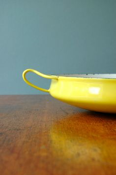 dansk kobenstyle - yellow cookware--reminds me of the pottery paintings Mom did.