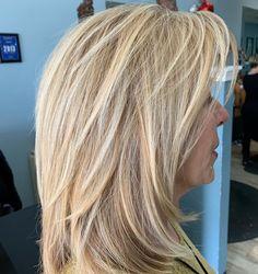 Medium Voluminous Straight Blonde Hair - September 07 2019 at Thin Hair Haircuts, Hairstyles Over 50, Shag Hairstyles, Modern Hairstyles, Layered Haircuts, Straight Hairstyles, Modern Haircuts, Glasses Hairstyles, Short Haircut