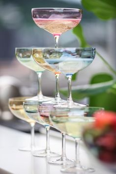 """New candy colored champagne glasses """"Happy"""" from Magnor Glassverk"""