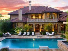 #AlanJackson's Pool >> http://www.frontdoor.com/photos/tour-alan-jacksons-home-for-sale-near-nashville?soc=pinterest
