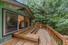 2020 is officially the year of the deck. With more people looking to invest in their outdoor spaces, it's time to make sure you're equipped with a plethora of solutions for any decking needs. We source premier wood for decking and mill the side grooves for hidden clips, making your next deck install a breeze. Prefabricated Houses, Prefab Homes, Modular Homes, Fence Builders, Deck Repair, Cedar Deck, Cool Deck, Diy Pallet Furniture, Decks And Porches