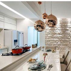 Show de cozinha!! By @doriselmamariotto #arquitetura #archdecor #archdesign #archlovers #arquiteturadeinteriores #iluminação #revestimento #homedecor #homestyle #homedesign #interiores #kitchen #home #cozinha #instahome #instadecor #instadesign #interiordesign #detalhes #produção #decoração #design #decor #decoresruestilo #designdeinteriores #decoration #decorlovers #decorhome #decordesign #luxury
