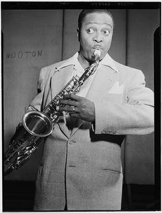 Portrait of Louis Jordan, Paramount Theater(?), New York, N.Y., ca. July 1946. Photograph by William P. Gottlieb. William P. Gottlieb Collection, Library of Congress Prints and Photographs Division.