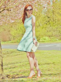 Style Watch: 25 spring looks with mint green color Girls With Red Hair, Pretty Outfits, Pretty Clothes, Spring Street Style, Spring Looks, Zara Dresses, Shades Of Green, Fashion Watches, Pretty People