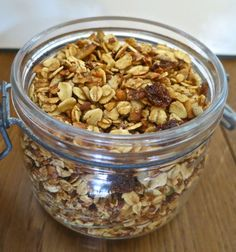 Vegan cinnamon granola: gluten free, dairy free, sugar free