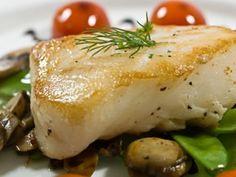 Pan Seared Chilean Sea Bass with Lemon Dill Sauce Halibut Recipes, Fish Recipes, Seafood Recipes, Cooking Recipes, Healthy Recipes, Cooking Fish, Healthy Meals, Macro Recipes, Seafood Meals