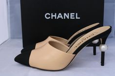 4fdf3cb9f756 Chanel Beige Runway Black Leather Heels Pearl 38 Mules Slides Size US 8  Regular (M