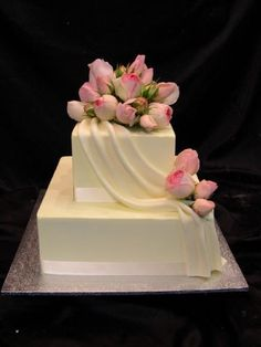 A 3 tier cake covered in textured buttercream and chocolate dipped strawberries. Wedding Cake Two Tier, Types Of Wedding Cakes, White Wedding Cakes, Gorgeous Cakes, Pretty Cakes, Amazing Cakes, Baileys Cake, Buttercream Wedding Cake, Arches