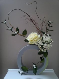 by robert haynes Ikebana Arrangements, Ikebana Flower Arrangement, Flower Vases, Flower Art, Cactus Flower, Bouquet Flowers, Contemporary Flower Arrangements, Creative Flower Arrangements, White Flower Arrangements
