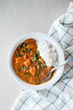 Linsegryte med gresskar og spinat Nom Nom, Curry, Ethnic Recipes, Green, Food, Spinach, Curries, Essen, Yemek