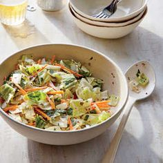 How to Make Creamy Black Pepper Coleslaw   A full teaspoon of black pepper lends pleasant warm heat to this side dish without overpowering. Make the recipe up to one day ahead if you like—the veggies will stay crisp and the flavors will meld as the slaw chills.