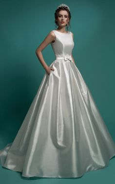 US$143.19–V-Back Satin Wedding Dress with Bow in the Front and Back. www.doriswedding..... Gorgeous off the shoulder wedding dresses, long sleeve wedding dresses, ball gown wedding dresses are waiting to be discovered at www.doriswedding.com with affordable prices. #DorisWedding.com