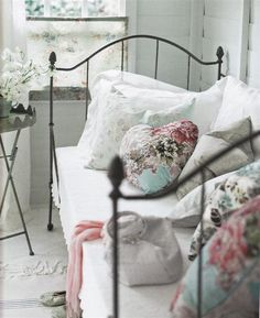 Bedroom - For the dreamy princess in your life when all you need is a coloured love heart