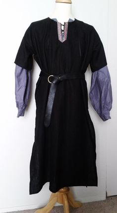 S Lord's Tunic in Black Linen with Red, Black, & Silver Trim
