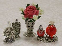 Miniature Bottles, Miniature Crafts, Miniature Dolls, Vintage Dollhouse, Diy Dollhouse, Dollhouse Miniatures, Accessoires Barbie, Diy Accessoires, Barbie Accessories