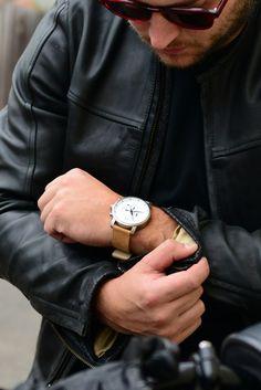 MVMT Watches – Good as Gold