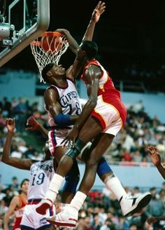 Dominique Wilkins-One of the greatest NBA dunkers ever Basketball Pictures, Love And Basketball, Sports Basketball, Sports Pictures, College Basketball, Basketball Players, Basketball Moves, Jordan 5, Michael Jordan