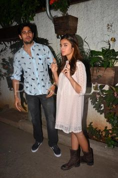 Sidharth and Alia Spotted at a Special Screening of #KapoorandSons.