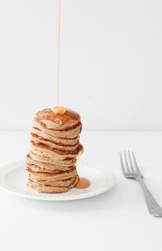 Banana Pancakes | For the foodies | vegan | gluten free | pancakes | foodie | food | food porn | food styling | food photography | yum | eat | recipe | Schomp MINI