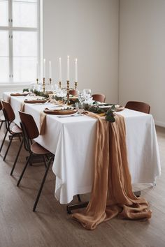 Bohemian wedding, boheemit talvihäät Wedding Photoshoot, Table Settings, Wedding Inspiration, Table Decorations, Furniture, Home Decor, Style, Swag, Decoration Home