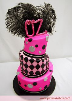 Pink and Black Cake !