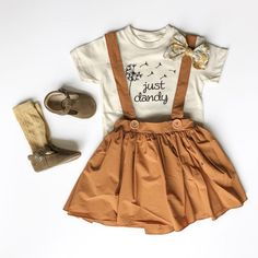 Nur Dandy Bodysuit Kleinkind-Tee Bodysuit D Baby Girl Fashion, Toddler Fashion, Toddler Outfits, Kids Outfits, Kids Fashion, Baby Girl Fall Outfits, Toddler Girl Style, Cute Baby Outfits, Fashion Ideas