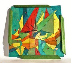Reloj de pared de madera de abedul y kotò con incrustaciones de colores