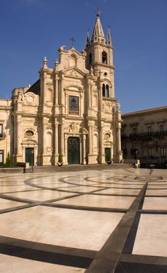 Basilica dei Santi Pietro e Paolo em Acireale, Catania, Sicília, Itália. Palermo, Venice Italy, Sorrento Italy, Italy Italy, Naples Italy, Places To Travel, Places To Visit, Italy Holidays, Places In Italy