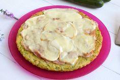 La pizza di zucchine è una pizza solo di aspetto, ma in realtà è la versione tutta italiana della zucchini pie che ho postato un po' Zucchini Pie, Fett, Mashed Potatoes, Peach, Dishes, Cooking, Ethnic Recipes, Desserts, Pies