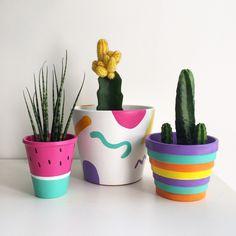 Succulent Painting Clay Pots 44 New Ideas diy clay pots Succulent Painting Clay Pots 44 New Ideas Flower Pot Art, Flower Pot Design, Cactus Flower, Painted Plant Pots, Painted Flower Pots, Pots D'argile, Pottery Painting Designs, Decorated Flower Pots, Fleurs Diy
