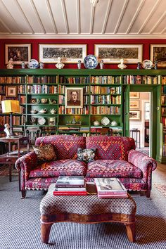 Peter Wells and Douglas Lloyd Jenkins' 1906 Napier villa. From New Zealand House & Garden. Home Interior Design, Interior Decorating, New Zealand Houses, Home Libraries, Cottage Interiors, Foyers, Diy Home Decor, Family Room, Furniture Design