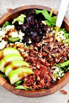 Jablečná slanina a salát Gorgonzola se sladkou balzamikovou vinaigretou - Life In The Lofthouse Delicious Dinner Recipes, Healthy Recipes, Salad Recipes, Healthy Options, Delicious Food, Diet Recipes, Chicken Recipes, Creamy Balsamic Vinaigrette, Salad Dishes