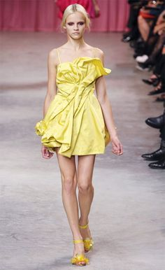 #yellow dress  yellow dress #2dayslook #yellow style #yellowfashiondress  www.2dayslook.com
