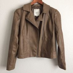 ::SALE:: Brown Vegan Leather Jacket Brand new without tag. Vegan leather jacket. Feels like genuine leather.Front zipper closure and collar. 105814                                                                   15% OFF Bundles of 2+ items Find me on Instagram @see.seasew Jack by BB Dakota Jackets & Coats Blazers
