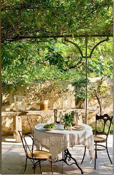 Covered terrace, al fresco dining in Provence- Covered terrace, al fresco dining in Provence garden inspiration rustic garden inspiration terraces Outdoor Rooms, Outdoor Dining, Outdoor Gardens, Outdoor Decor, Roof Gardens, Patio Dining, Dining Table, Dream Garden, Home And Garden