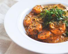 Warzywne curry ze słodkimi ziemniakami, ciecierzycą i szpinakiem » Jadłonomia · wegańskie przepisy nie tylko dla wegan