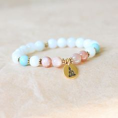 Buddhist Bracelet Wrist Mala Bracelet Moonstone par MishkaSamuel